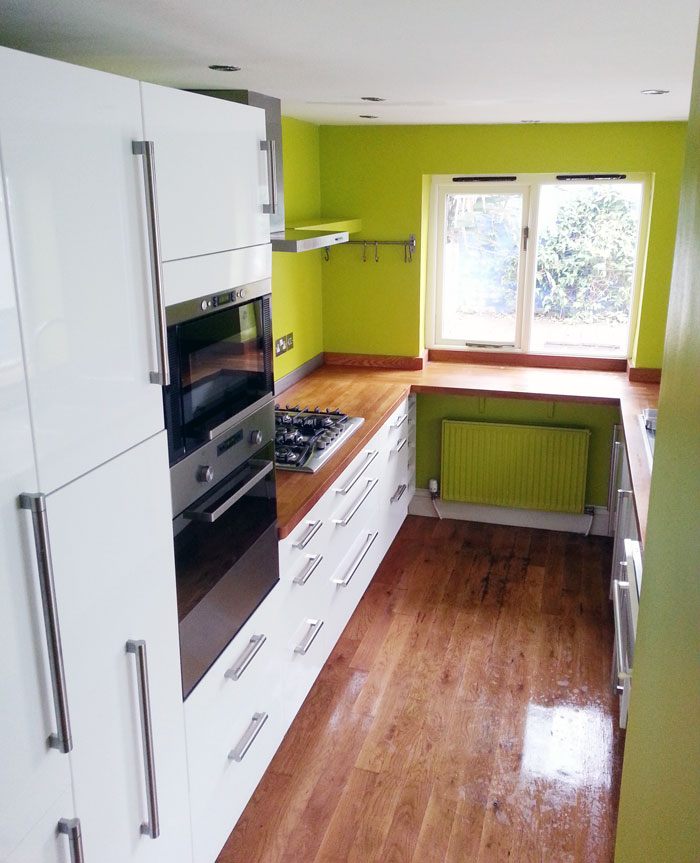 White Kitchen Oak Worktop: Furniture Makers, Joiners, Cabinet Makers In Brighton
